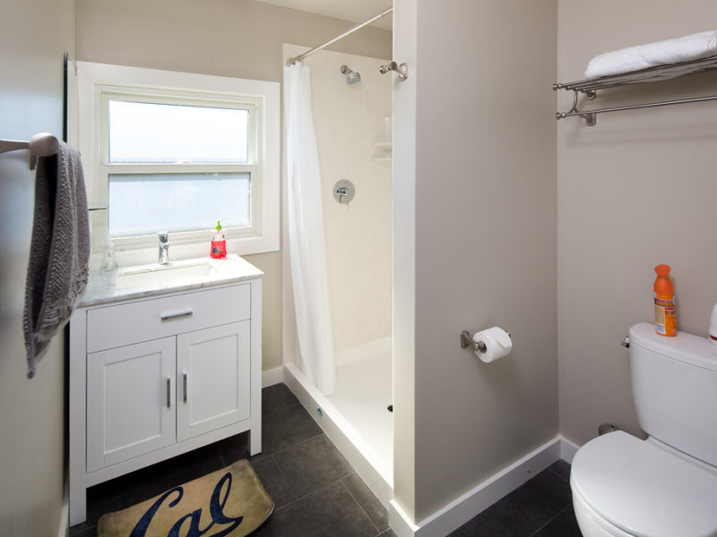 2335 Warring Bathroom | Valiance Capital