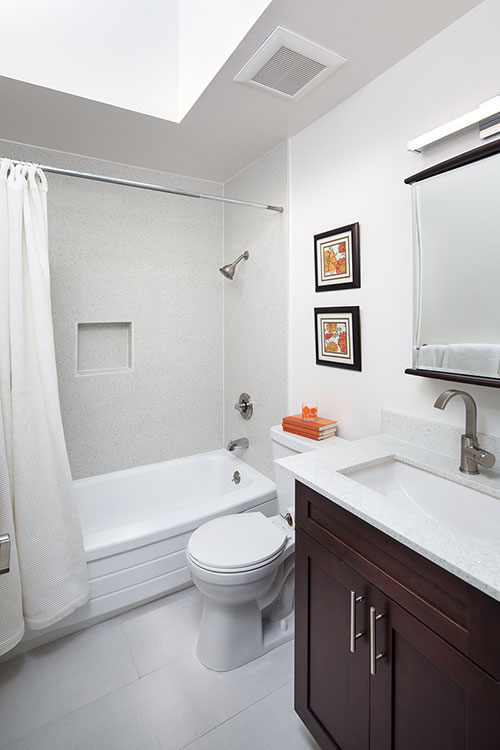 462 22nd Avenue Bathroom | Valiance Capital