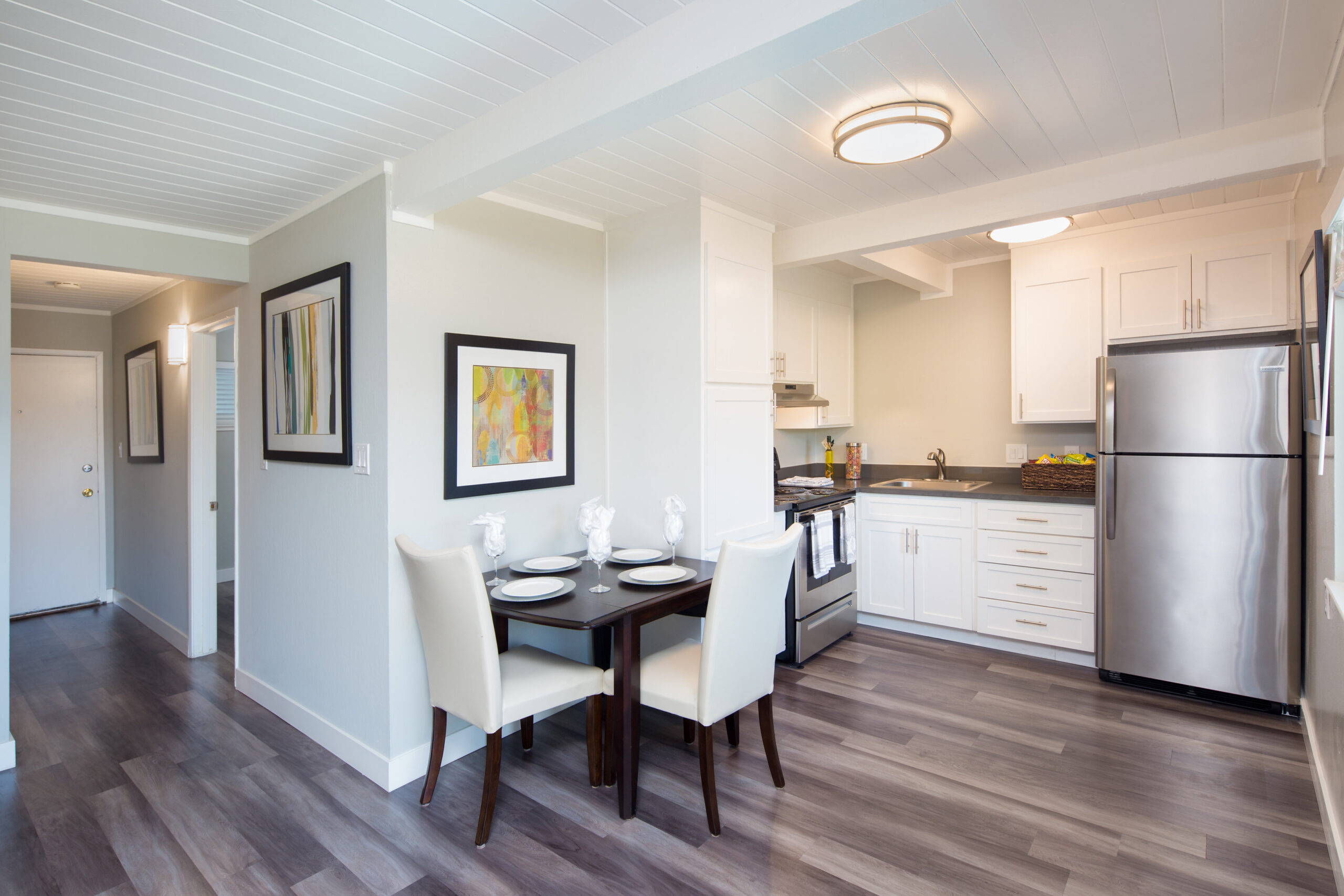 250 W. Jackson | Kitchen | Valiance Capital